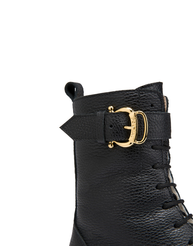 Buckle Notes combat boots in tumbled calfskin Photo 4